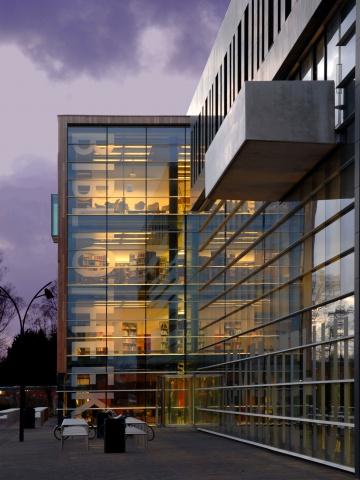 Gemeentehuis, bibliotheek en parkeergarage Heerhugowaard
